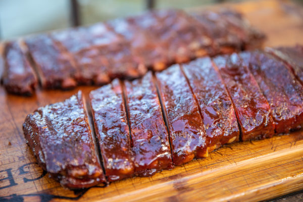 Smoking ribs, how to cook ribs on the grill, how to grill ribs, grilled ribs recipe